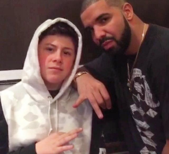 Đi chơi đi bời, xuất hiện trên Instagram của Drake là chuyện bình thường