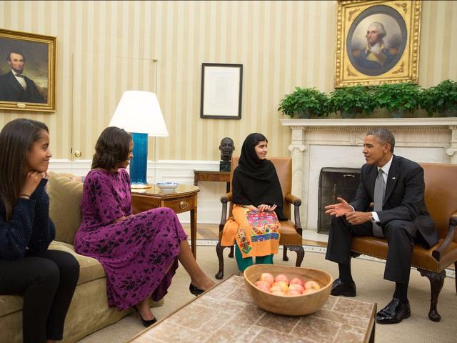 Nhận giải Nobel hòa bình năm 2014, Malala nhấn mạnh đây cũng là giải thưởng cho những đứa trẻ mong muốn hòa bình.