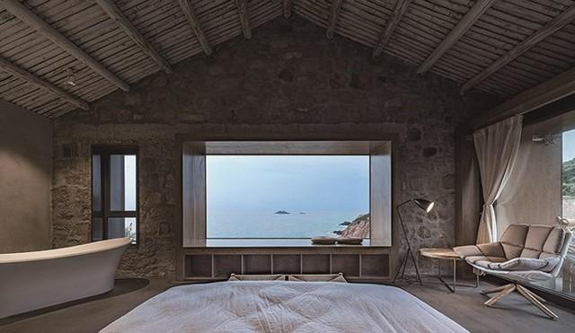 Phòng ngủ là sự pha trộn giữa cái mới và cái cũ, giữa truyền thống và hiện đại.