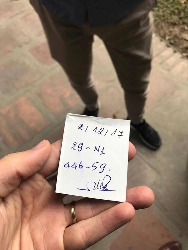 """Đóng cửa bãi xe Văn Miếu, du khách chịu cảnh """"chặt chém"""" để vào di tích - Ảnh 9."""