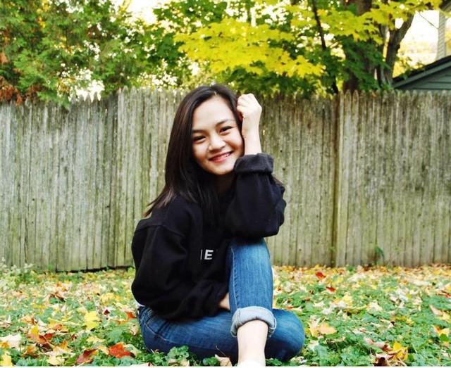 Hiện, Tường An sở hữu trang cá nhân với hơn 4.000 người theo dõi. Cô thường xuyên chia sẻ những hình ảnh và hoạt động học tập của mình với bạn bè.
