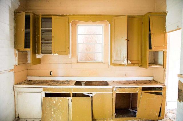 Căn nhà bỏ hoang chẳng ai muốn mua, cải tạo lại đẹp như biệt thự giá bán tăng gấp 34 lần - Ảnh 9.