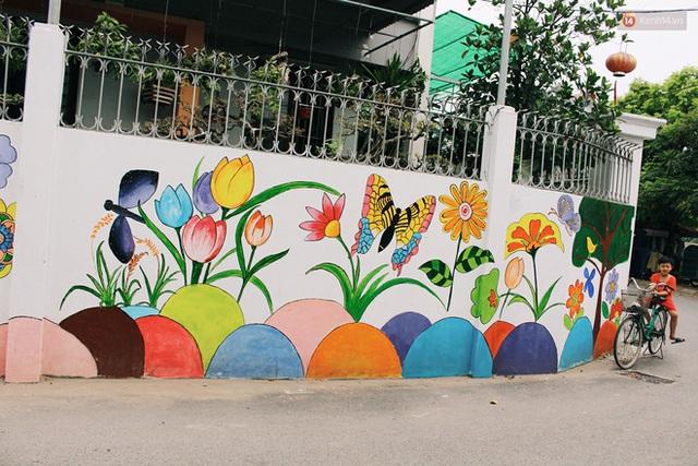 Đâu cần đến Quảng Nam mới có làng bích họa, ngay Hà Nội giờ cũng có con đường được vẽ đẹp mê ly - Ảnh 10.