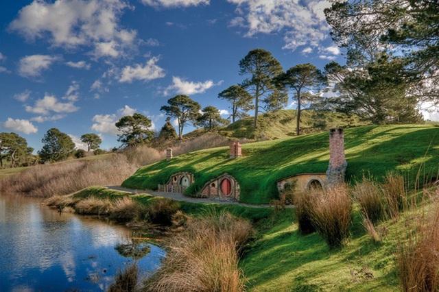 Những ngôi nhà The Hobbit ngoài đời thực là điểm đặc biệt thu hút của xứ sở Tân Tây Lan.