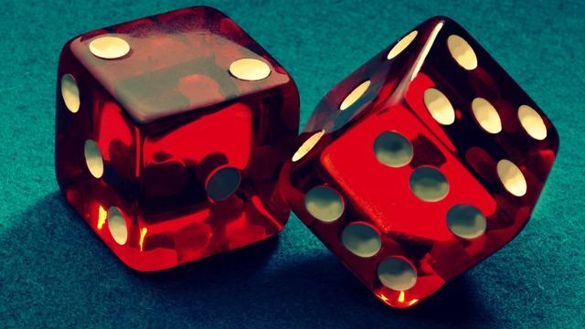 Cuộc sống không phải là trò chơi đổ xúc xắc, nó là hệ quả của những thứ bạn đã, đang và sẽ làm.