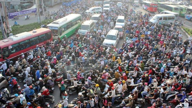 Khung cảnh giao thông thường nhật tại các thành phố lớn.