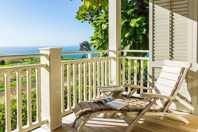 View nhìn từ resort ra biển.