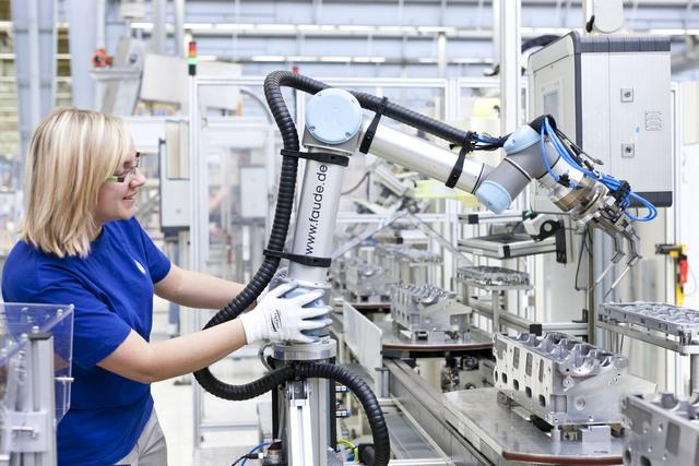 Nếu không có người lười chắc sẽ không có sự tự động hoá và cũng chẳng có robot, người chăm chỉ có thể làm mọi thứ bằng tay hết mà, đúng không?