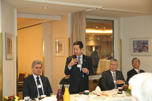 Phó Thủ tướng Vương Đình Huệ: Việt Nam sẽ trở thành mảnh đất cho những hành động 4.0 - Ảnh 1.