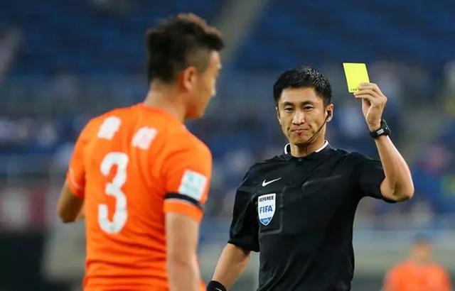 Chân dung vị trọng tài Trung Quốc sẽ bắt chính trong trận chung kết U23 châu Á 2018 - Ảnh 1.