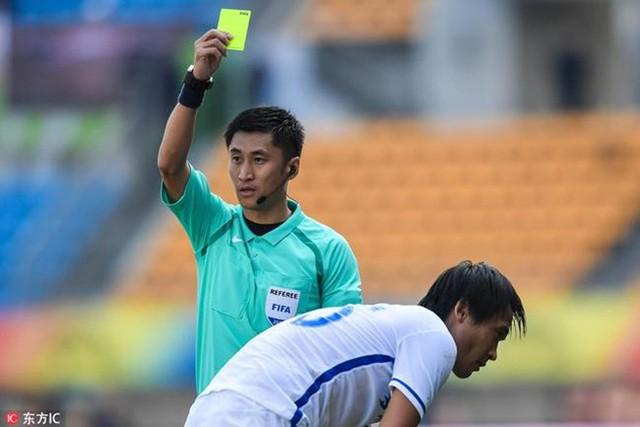 Chân dung vị trọng tài Trung Quốc sẽ bắt chính trong trận chung kết U23 châu Á 2018 - Ảnh 13.