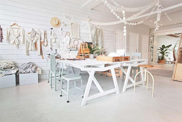Ngôi nhà trắng đẹp như tranh vẽ với những góc nhà lung linh chẳng khác gì studio - Ảnh 5.