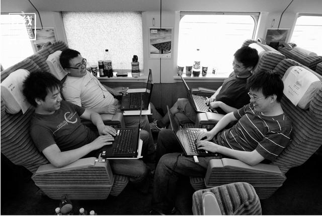 Dành 4 thập kỉ ghi lại hành trình trên những chuyến xe lửa, nhiếp ảnh gia Trung Quốc đem lại cho người xem những xúc cảm lạ thường - Ảnh 15.