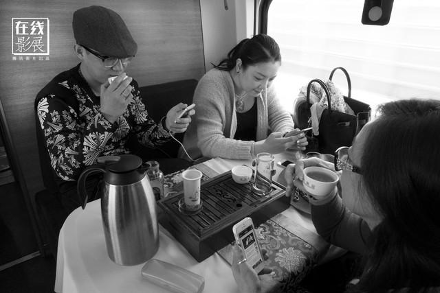 Dành 4 thập kỉ ghi lại hành trình trên những chuyến xe lửa, nhiếp ảnh gia Trung Quốc đem lại cho người xem những xúc cảm lạ thường - Ảnh 19.