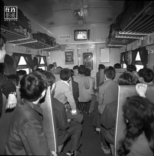 Dành 4 thập kỉ ghi lại hành trình trên những chuyến xe lửa, nhiếp ảnh gia Trung Quốc đem lại cho người xem những xúc cảm lạ thường - Ảnh 4.