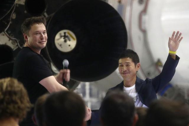 Tỷ phú Nhật mua vé du lịch mặt trăng của Elon Musk tiết lộ bí quyết phát triển thành giàu có: Làm việc ít thôi! - Ảnh 2.