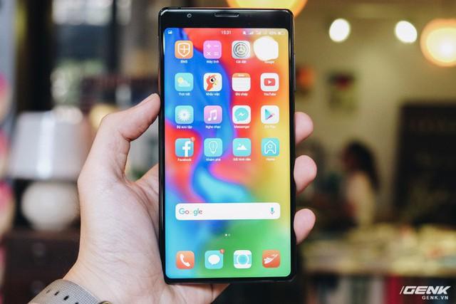 Trên tay & đánh giá nhanh Bphone 3 giá từ 6.99 triệu: Cuối cùng, người Việt đã có một chiếc smartphone đáng để tự hào - Ảnh 11.