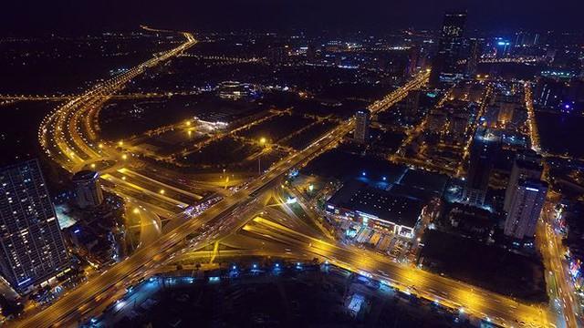 Vẻ đẹp rực rỡ của Hà Nội về đêm qua góc máy flycam Nhịp sống Thủ đô - Ảnh 3.