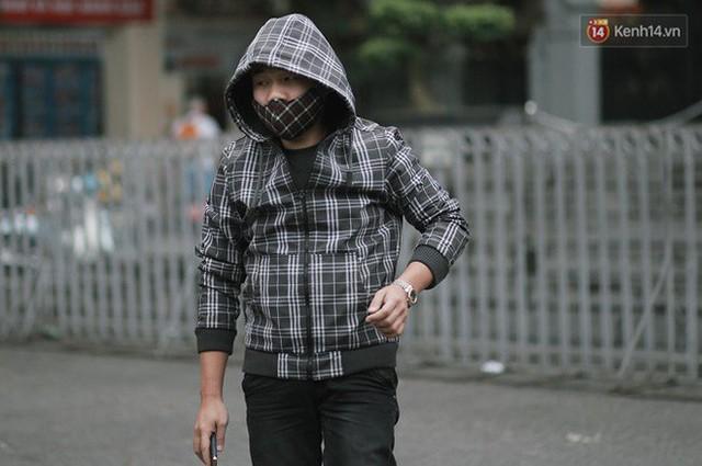 Chùm ảnh: Hà Nội đã có ngày đầu tiên đón gió lạnh đầu mùa thực sự! - Ảnh 27.