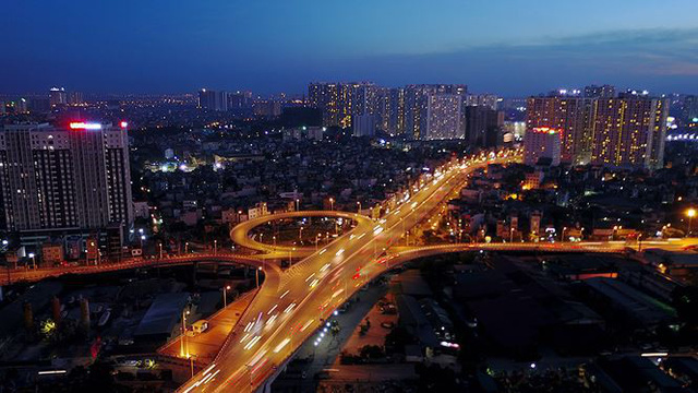 Vẻ đẹp rực rỡ của Hà Nội về đêm qua góc máy flycam Nhịp sống Thủ đô - Ảnh 4.