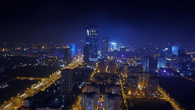 Vẻ đẹp rực rỡ của Hà Nội về đêm qua góc máy flycam Nhịp sống Thủ đô - Ảnh 5.
