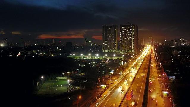 Vẻ đẹp rực rỡ của Hà Nội về đêm qua góc máy flycam Nhịp sống Thủ đô - Ảnh 8.