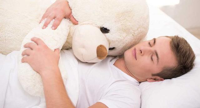 Gió mùa về, hãy cùng tìm hiểu 10 lợi ích sức khỏe khi bạn ôm một ai đó - Ảnh 4.