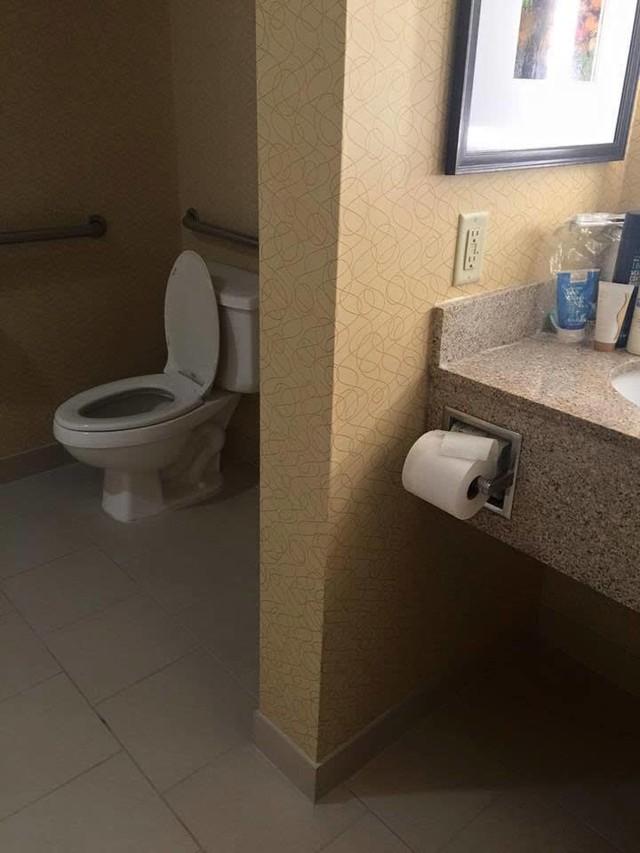 Chùm ảnh: Muôn hình vạn trạng những nhà vệ sinh có thiết kế xứng đáng được trao danh hiệu tệ nhất quả đất - Ảnh 14.
