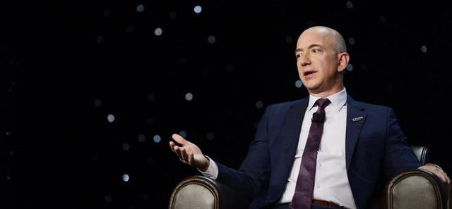 Theo người giàu nhất địa cầu Jeff Bezos, chỉ cần hỏi 1 câu này để biết khách hàng có thông minh không - Ảnh 1.