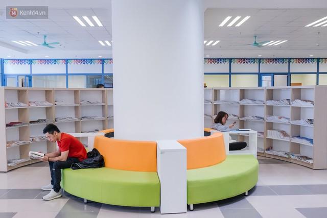 Thư viện các trường Đại học ở Việt Nam: Nơi sang chảnh 129 tỷ đồng, nơi đẹp đến mức đứng đâu cũng ra ảnh nghìn like - Ảnh 4.