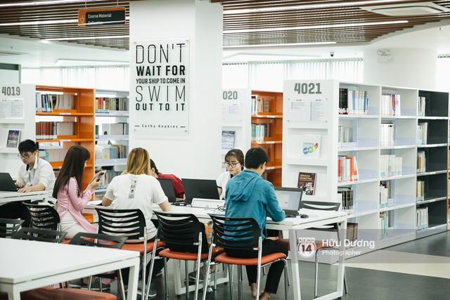 Thư viện các trường Đại học ở Việt Nam: Nơi sang chảnh 129 tỷ đồng, nơi đẹp đến mức đứng đâu cũng ra ảnh nghìn like - Ảnh 9.