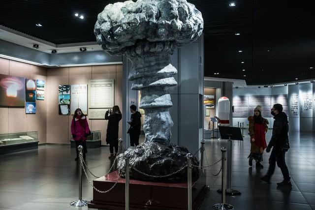 Bầy cừu không có răng và những bí mật khủng khiếp ở nơi chế tạo quả bom hạt nhân đầu tiên của TQ - Ảnh 2.