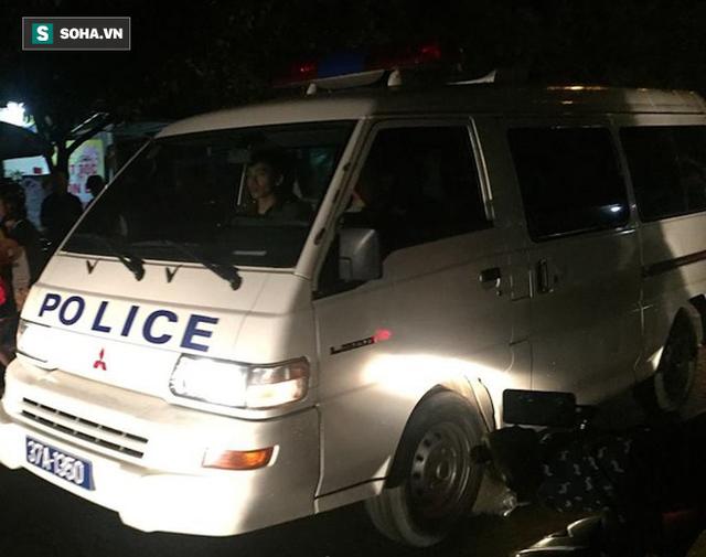 [NÓNG] Đã bắt đối tượng ôm lựu đạn cố thủ trong nhà tại Nghệ An - Ảnh 1.