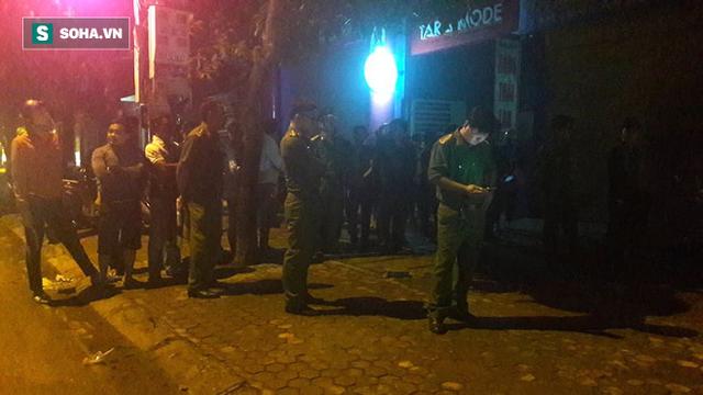[NÓNG] Đã bắt đối tượng ôm lựu đạn cố thủ trong nhà tại Nghệ An - Ảnh 6.