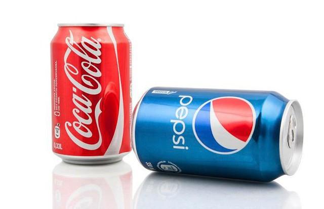 """Đòn trả thù kinh hoàng của Coca-Cola: Thâu tóm 18 nhà máy đóng chai Pepsi, sơn đỏ 4.000 xe chở hàng và hàng chục ngàn điểm phân phối, """"xóa sổ"""" Pepsi khỏi Venezuela chỉ trong 1 ngày - Ảnh 3."""