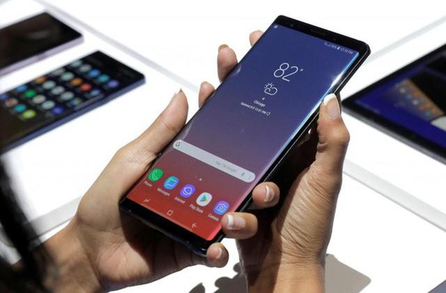 Italy phạt Apple và Samsung tổng số tiền 15 triệu Euro vì cập nhật phần mềm gây chậm máy - Ảnh 1.