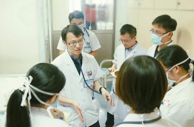 Chàng trai 28 tuổi mắc bệnh thuyên tắc phổi vì thói quen mà hầu hết dân văn phòng đều mắc phải - Ảnh 3.
