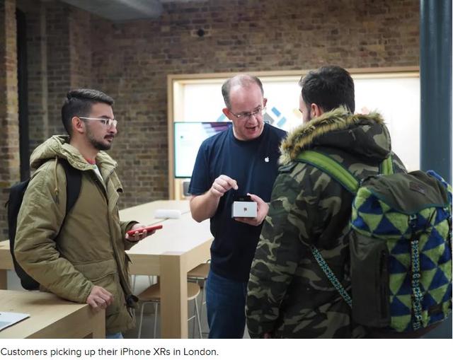 Vì sao các Apple Store trở nên đìu hiu trong ngày đầu mở bán iPhone XR? - Ảnh 2.