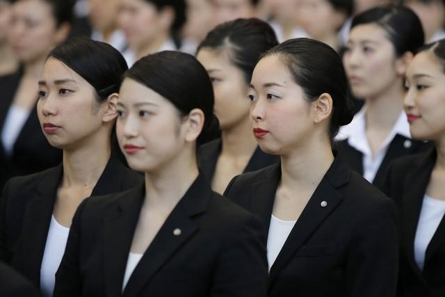 Vì sao phụ nữ là cứu tinh của nền kinh tế Nhật Bản? - Ảnh 1.