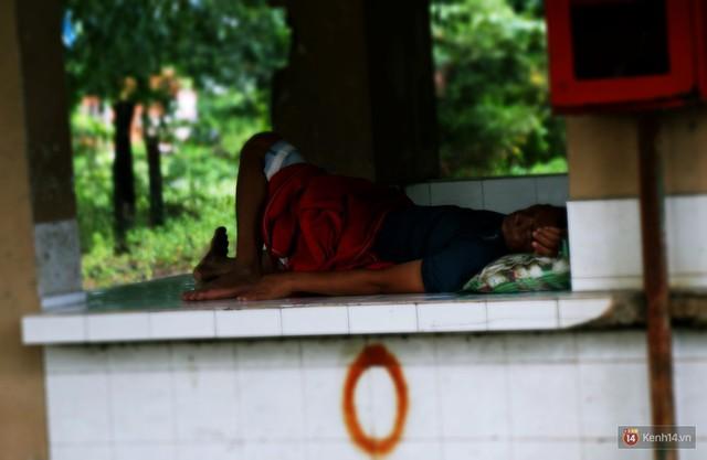 Cảnh u ám bên trong khu chợ tiền tỷ ở Sài Gòn bị bỏ hoang gần 15 năm qua - Ảnh 18.