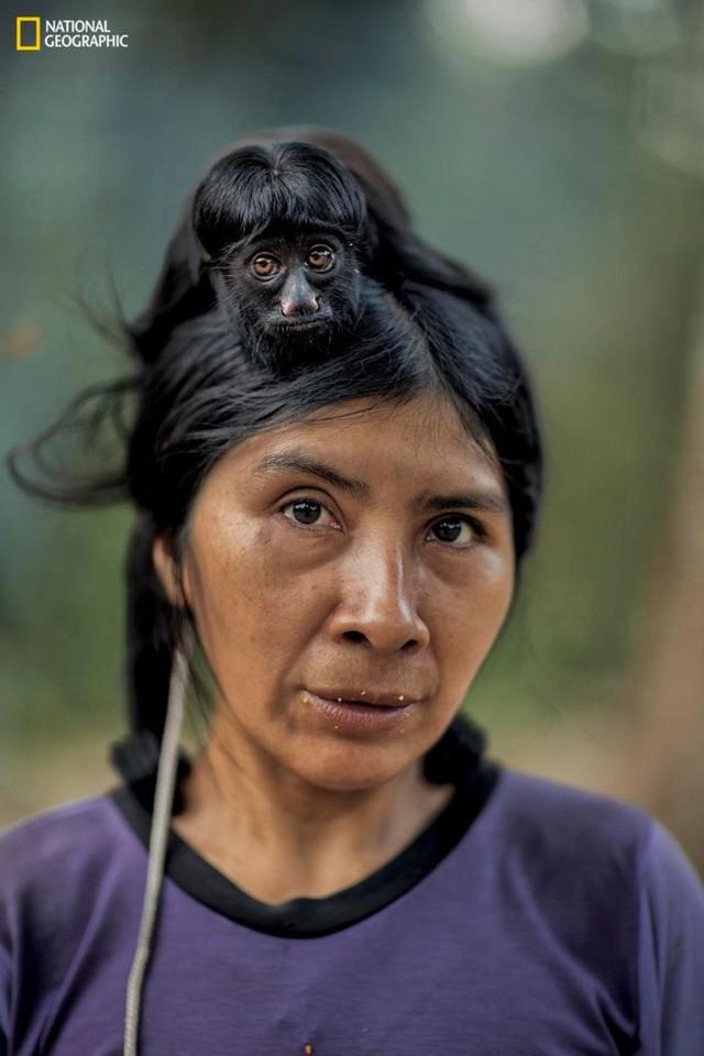 Bộ tộc cho động vật bú sữa như em bé đang đứng trước nguy cơ tuyệt chủng - Ảnh 9.