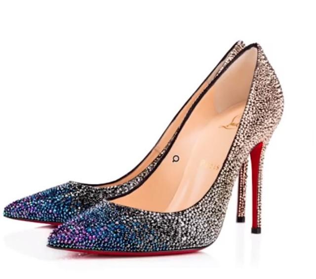 Vì sao giày đế đỏ Louboutin đắt cắt cổ vẫn không thiếu người mua? - Ảnh 4.