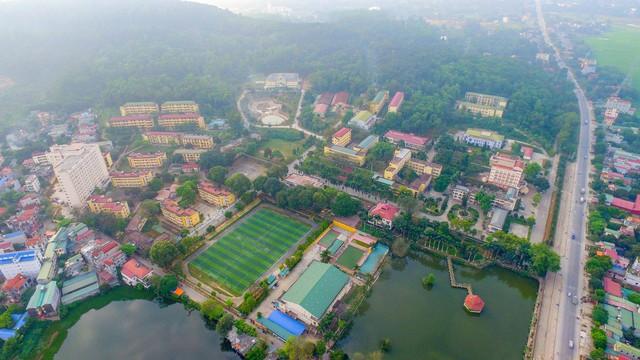 Đây là Đại học duy nhất ở Việt Nam có 1 khu rừng tuyệt đẹp ngay trong khuôn viên trường, tha hồ sống ảo - Ảnh 18.