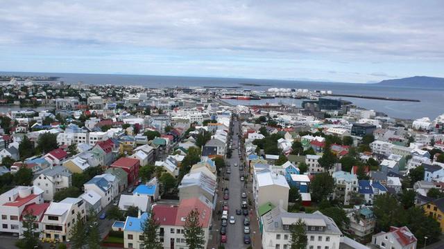 Suối địa nhiệt đẹp như tiên cảnh ở Iceland: đến rồi mới thấy chen chúc toàn người trần mắt thịt - Ảnh 22.