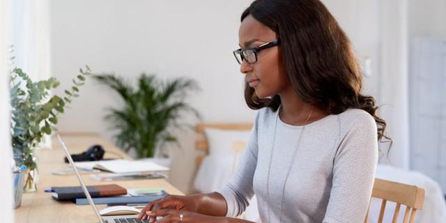 Phải làm gì khi muốn tập trung làm việc nhưng đồng nghiệp luôn gây ồn ào bên cạnh? - Ảnh 4.