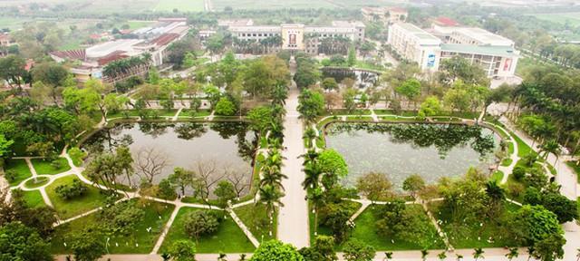 Ngay tại Hà Nội có một ngôi trường rộng gần 200ha, cây cối, hoa trái phủ xanh khắp nơi như rừng nhiệt đới - Ảnh 1.
