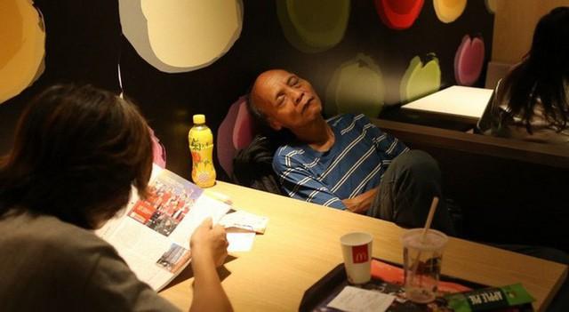 Tìm hiểu về McRefugees: Nơi người vô gia cư, người cô đơn tại Hồng Kông coi là ngôi nhà thứ hai của mình - Ảnh 8.