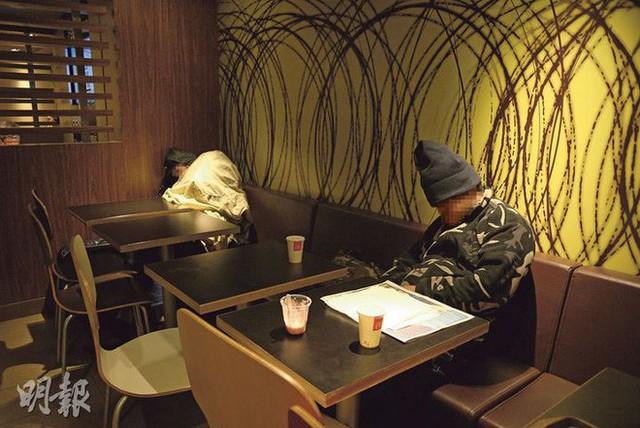 Tìm hiểu về McRefugees: Nơi người vô gia cư, người cô đơn tại Hồng Kông coi là ngôi nhà thứ hai của mình - Ảnh 9.