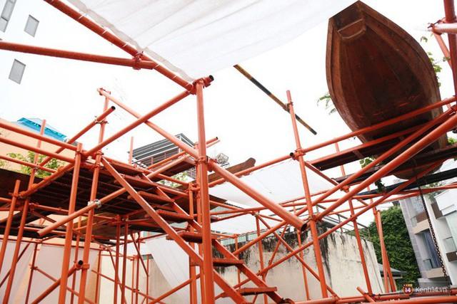 Kỳ lạ quán cafe như công trình đang xây dựng ở Sài Gòn: Đầu tư 2 tỷ, dự đoán tuổi thọ chỉ... 10 năm - Ảnh 14.