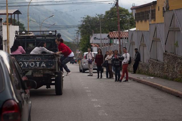 Venezuela: Tỷ lệ tự sát tăng cao do người dân bất lực trước cuộc sống - Ảnh 2.